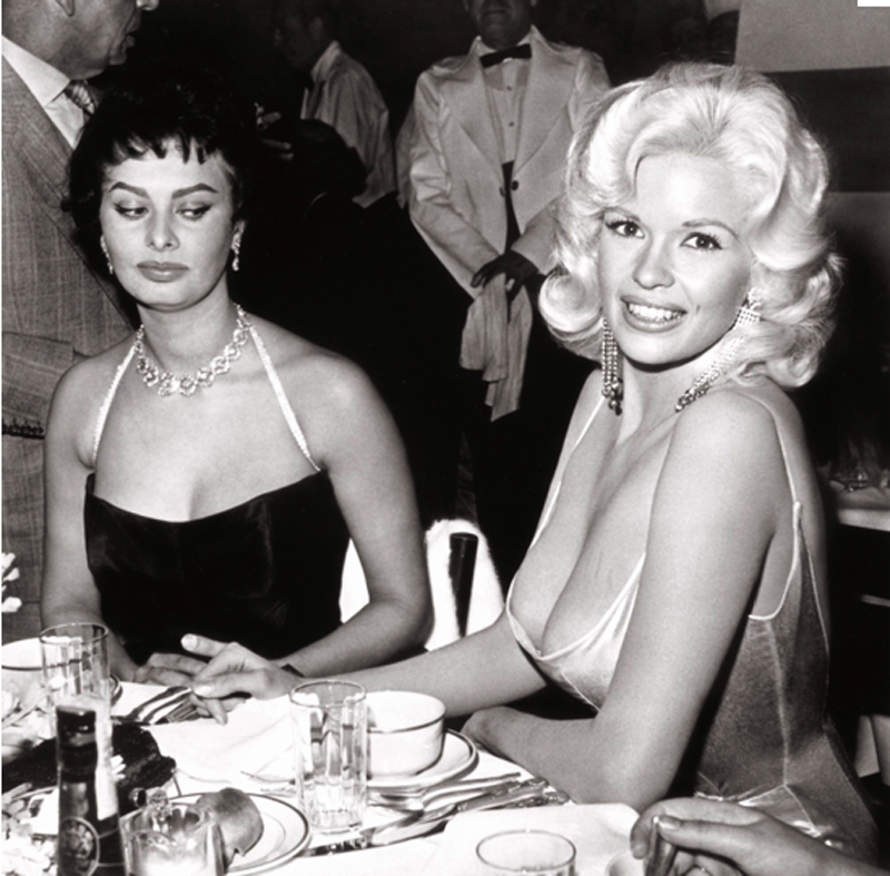 sophia loren staring at cleavage